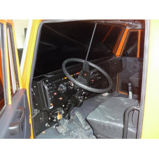 """Автотренажер контраварийного вождения """"КамАЗ-Мастер-07"""" (оригинальная кабина автомобиля КамАЗ, установленная на шестистепенную динамическую платформу)"""